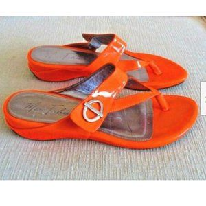 Marc Fisher Patent Leather Orange Thong Sandals 10